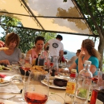 Dining al fresco with Rosemarie, Venetia & Alison